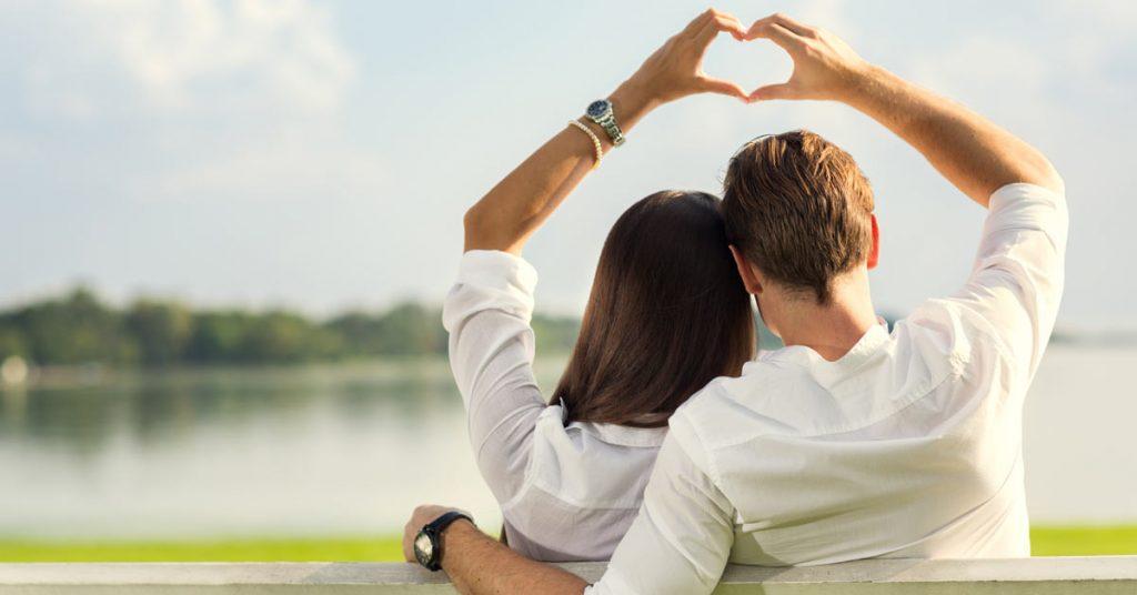 loving  رفتار با عشق در رابطه دو نفره relationship 1024x536