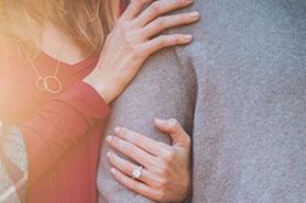 مشاوره زوجین راهی برای درک تفاوت بین شما و همسرتان  مطالب مفيد مرتبط Couple 600x400
