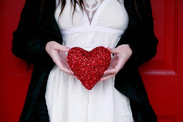 چگونه می توان عشق واقعی را با هوش عاطفی پیدا کرد؟  مطالب مفيد مرتبط Emotional Intelligence5 1 600x400