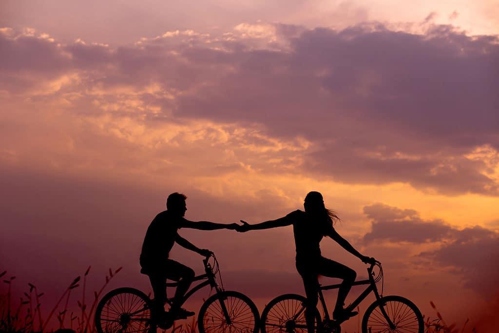7 راز زوج های موفق (چگونه یک زندگی عاشقانه بادوام داشته باشیم؟) زوج های موفق 7 راز زوج های موفق (چگونه یک زندگی عاشقانه بادوام داشته باشیم؟) couples1