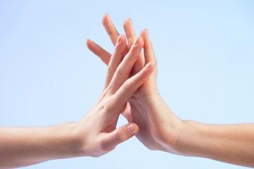 سخنران، مدرس و مشاور روانشناسی [object object] لمس کردن ؛ بلندتر از سخن گفتن touch