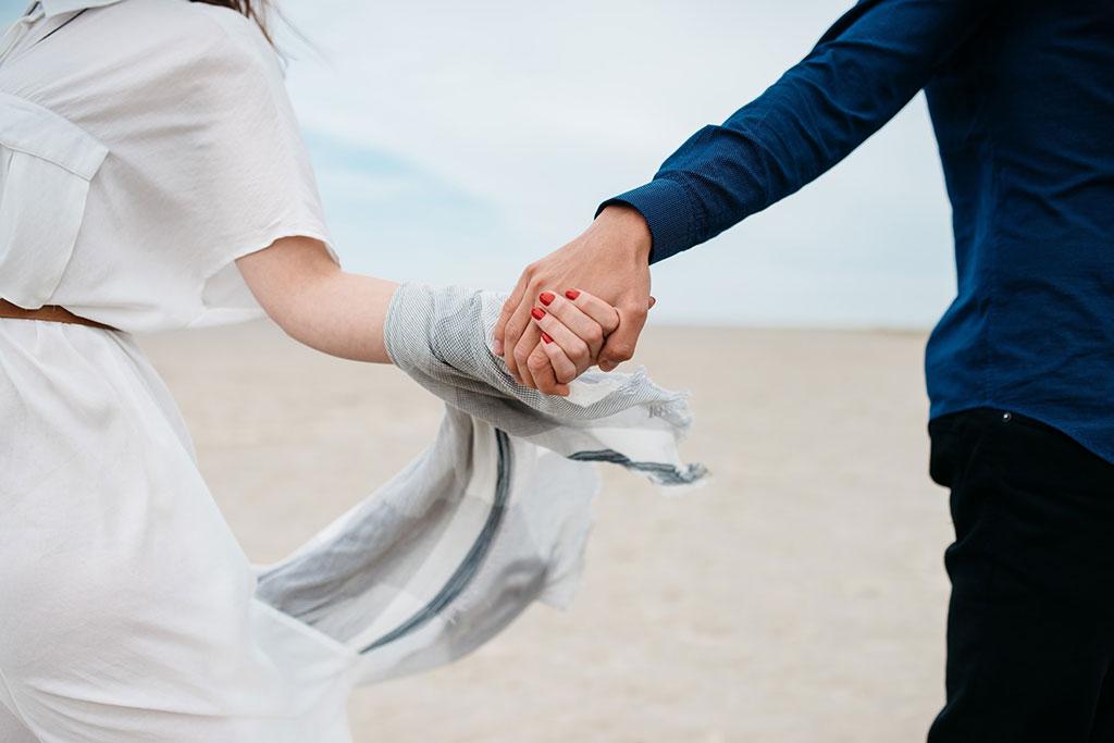 7 اقدام ضرروی که برای حفظ رابطه تان باید انجام دهید  7 اقدام ضرروی که برای حفظ رابطه تان باید انجام دهید                  2